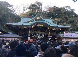 江島神社本堂