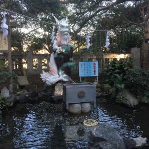 江島神社銭洗い