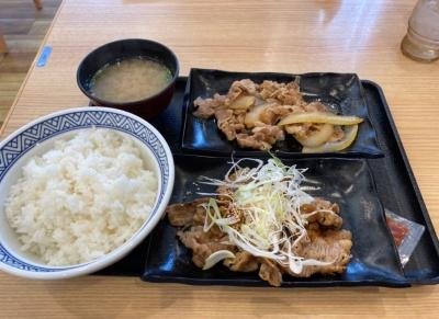 吉野家の牛皿・牛カルビ定食
